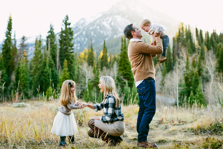 Family photos and poses, austin family photographer, anastasia strate photography, find a family photographer in austin, texas