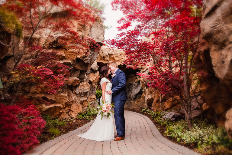 Utah wedding photographer, Utah weddings, lds bride, modest dress, lds dress, lds wedding, temple, draper temple, wedding photographer, Utah bride, Utah bridals, Utah locations for engagements, the Draper temple, thanksgiving point gardens