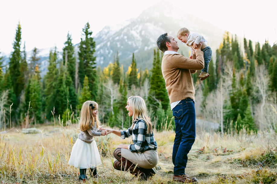 Family photos Big Cottonwood Canyon, utah wedding photographer, austin wedding photographer,destination photographer, best family photographers, utah valley, big cottonwood canyon family photos, austin photographers, family photos at big cottonwood canyon, best utah family photographer, anastasia strate photography